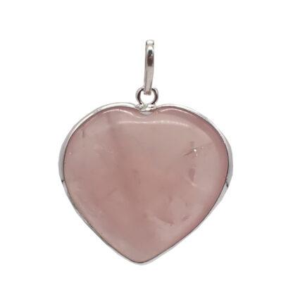 Ciondolo in quarzo rosa con profilo in argento a forma di cuore