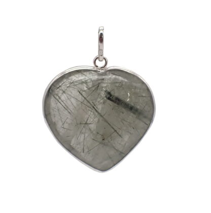 Ciondolo in quarzo con tormalina nera con profilo in argento a forma di cuore